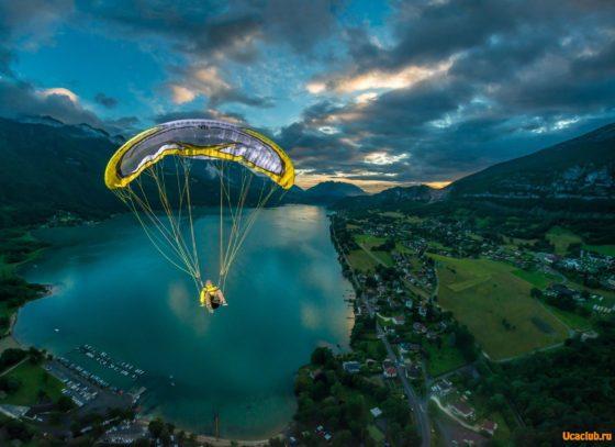 Необычное фото полёта над озером. Скачать фото